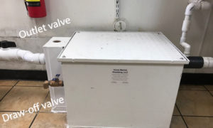 grease trap draw- off valve