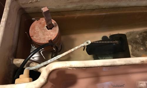 Siphon fill valve