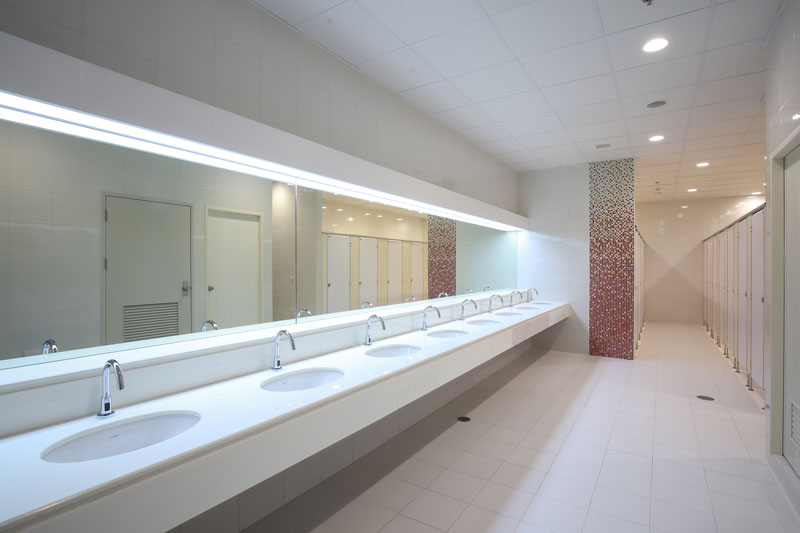 commercial-bathroom-800px